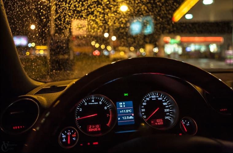 шофиране в тъмното